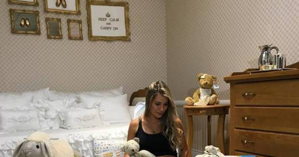 Grávida, Adriana Sant'Anna mostra enxoval de seu primeiro filho na ...