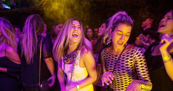 Gabriela Pugliesi e Fernanda Paes Leme caem no samba no Rio de ...