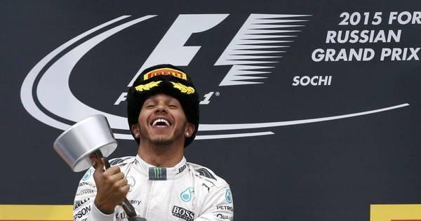 Lewis Hamilton supera marca de Senna e comemora título da ...