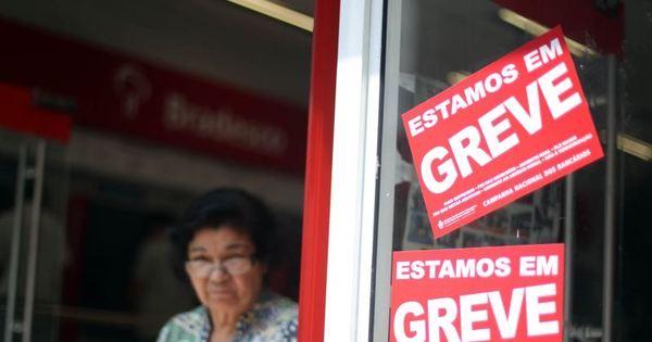 Bancários de vários Estados do País decidem pelo fim da greve ...