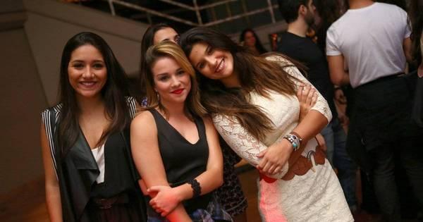 Ex- namorados, Giulia Costa e Eike Duarte se evitam em festa no Rio