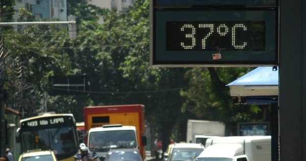 Calor pode provocar queda de pressão e confusão mental - Notícias ...
