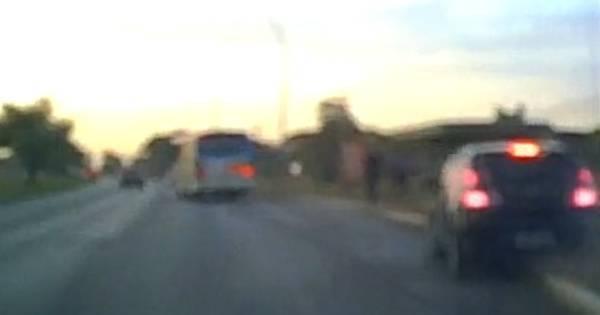 Chocante: veja o momento exato em que condutor bêbado atropela ...