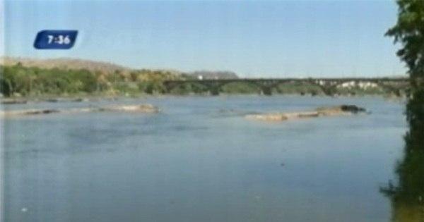 Minério de barragens que desabaram atinge o Rio Doce a 100 km ...