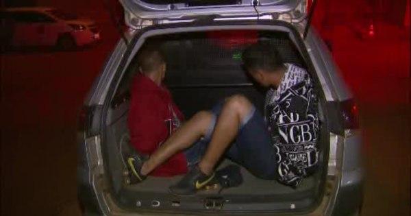 Polícia prende dois suspeitos de roubar pedestres em Águas Lindas ...