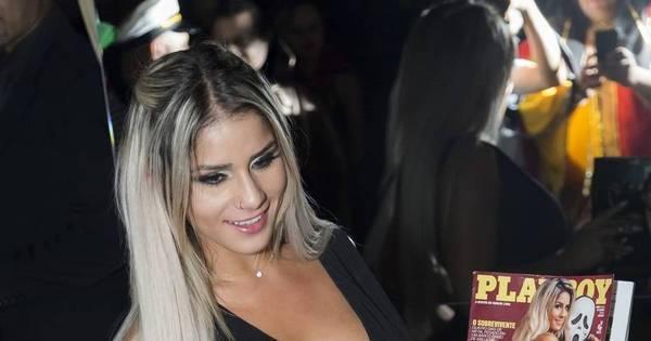 Com vestido ousado, Panicat Iara Ramos lança Playboy em São ...