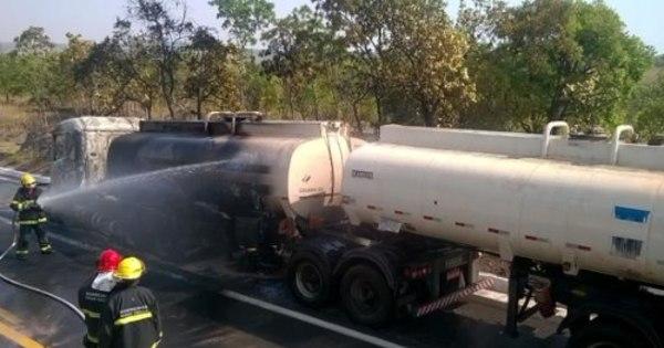 BR- 040 é liberada após incêndio em tanque interditar pistas por 18 ...