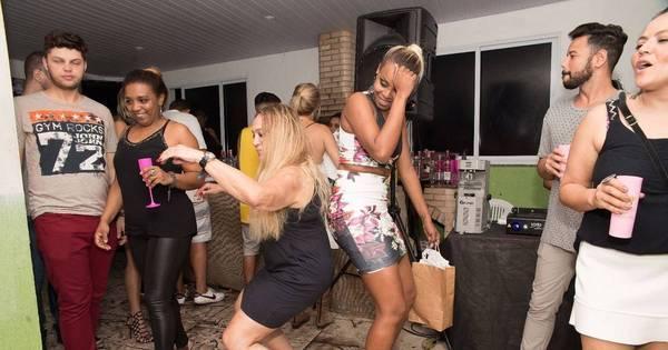 Até o chão! Susana Vieira mostra todo o requebrado ao dançar funk ...