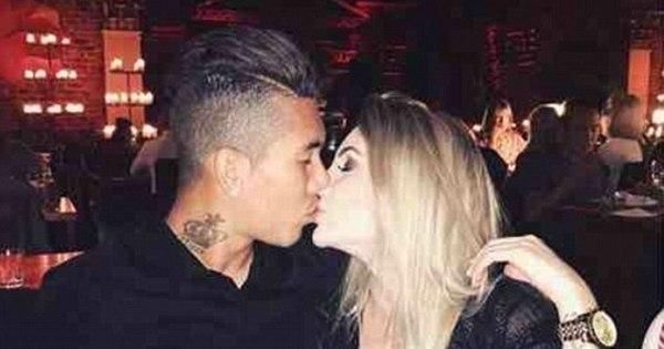 Atacante brasileiro do Liverpool tem noiva de tirar o fôlego - Fotos ...