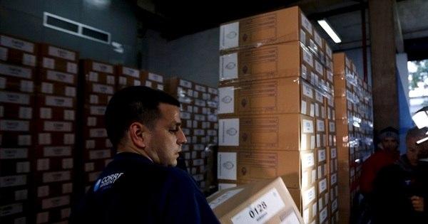 Argentinos vão às urnas para eleger sucessor de Cristina Kirchner ...