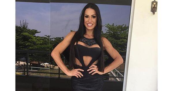 Gracyanne Barbosa mostra o corpão com vestido sexy ...