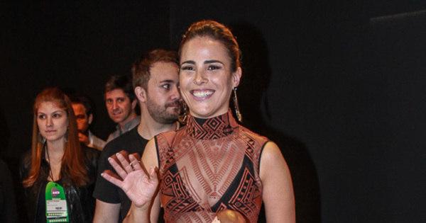 """Wanessa Camargo vai com vestido transparente ao Teleton: """"Está ..."""