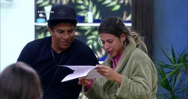 Após deixar reality, Thiago Servo pede Ana Paula em casamento ...