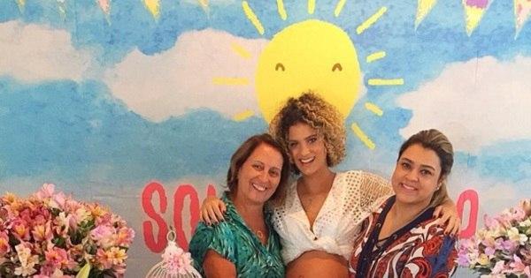 Lá vem a Sol de Maria! Netinha de Preta Gil ganha chá de bebê ...