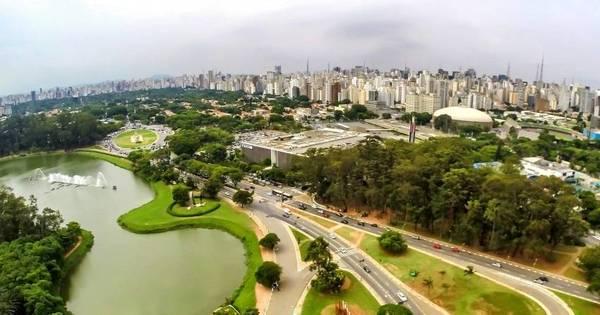 Veja o que abre e fecha neste feriado em SP - Notícias - R7 São Paulo