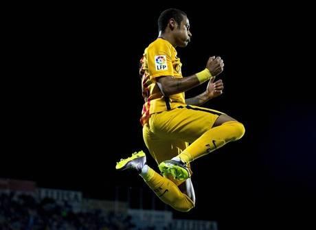 Neymar tem sete motivos para crer que estará na lista da Fifa