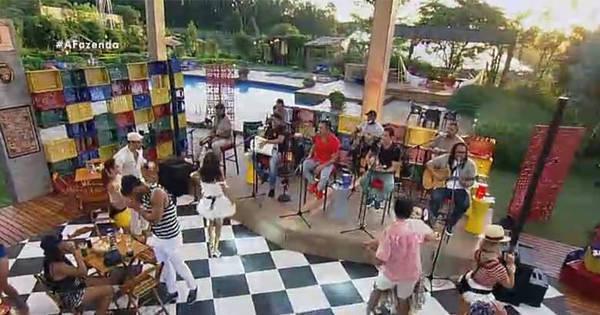 Samba, Fazenda! Grupo Revelação faz a festa com os peões ...