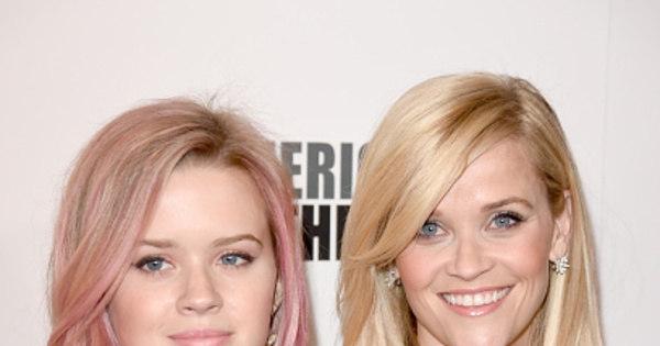 Irmãs gêmeas? Filha de Reese Witherspoon está a cara da mãe ...