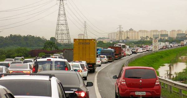 Após feriadão, estradas de SP têm tráfego normal - Notícias - R7 ...