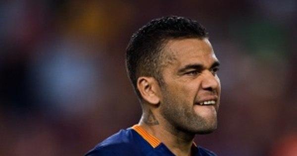 Barcelona confirma saída de Daniel Alves, que deve reforçar Juventus