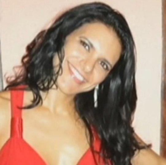 A Polícia Civil de Natal (RN) concluiu que a fisiculturista Fabiana Caggiano Paes, de 36 anos, foi estrangulada até a morte pelo marido, Alexandre Paes, em 2012. Fabiana e o marido estavam hospedados em um hotel quando ela morreu. Ele havia informado que encontrou Fabiana desmaiada no banheiro e que ela passou mal enquanto tomava banho, mas testemunhas disseram que o cômodo eestava seco