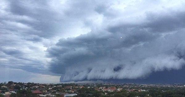 De dar medo! Nuvens gigantescas anunciam tempestades ...