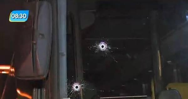 Policial mata dois suspeitos e motorista após reagir a assalto em ...