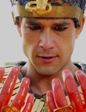 Veja o trailer de Os Dez Mandamentos, o Filme para outros países
