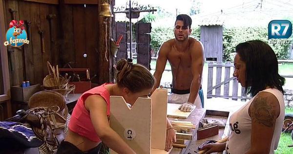 """"""" Turma da baia"""" tem dia de carpinteiro na oficina de A Fazenda ..."""