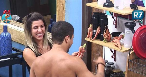 Douglas e Ana Paula comparam cenouras aos peões de A Fazenda 8