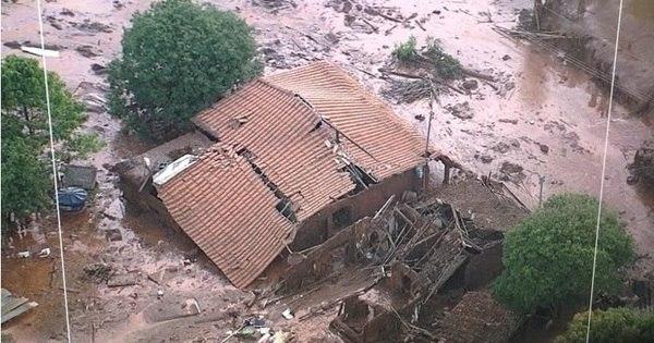 Bombeiros retomam buscas por desaparecidos em tragédia em ...
