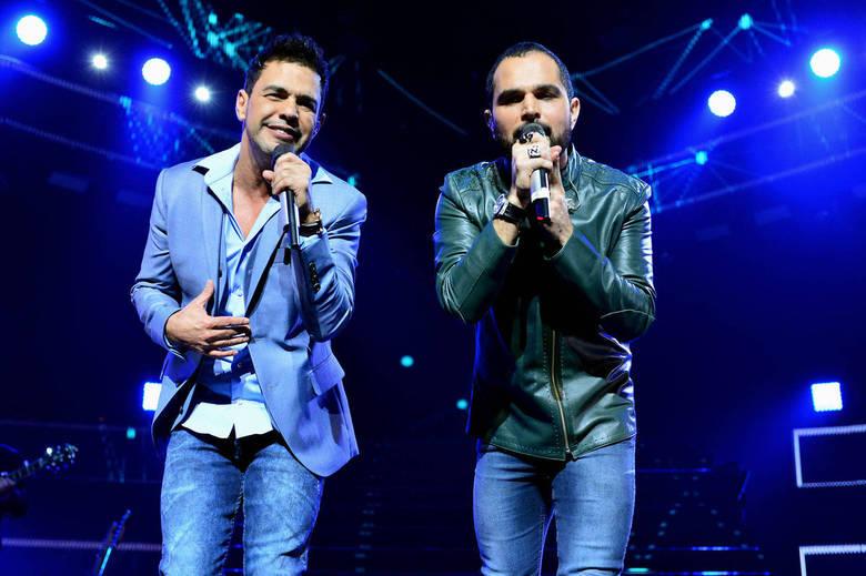 Os irmãos apresentaram o show da turnêFlores em Vida, inspirado no último álbum deles