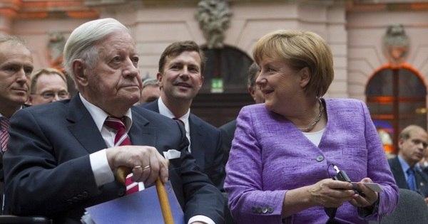 Morre ex-chanceler da Alemanha Ocidental Helmut Schmidt ...