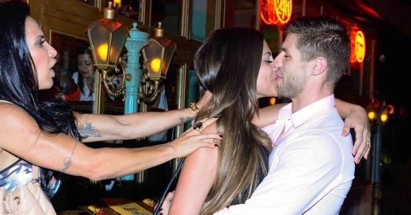 Panicat Mari Baianinha e ex-BBB Jonas se agarram em restaurante ...