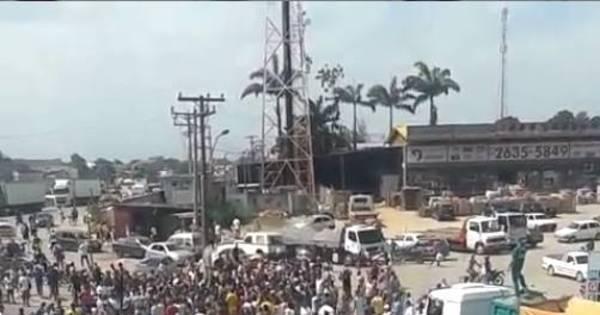 Moradores protestam após morte em acidente no trevo da Manilha ...