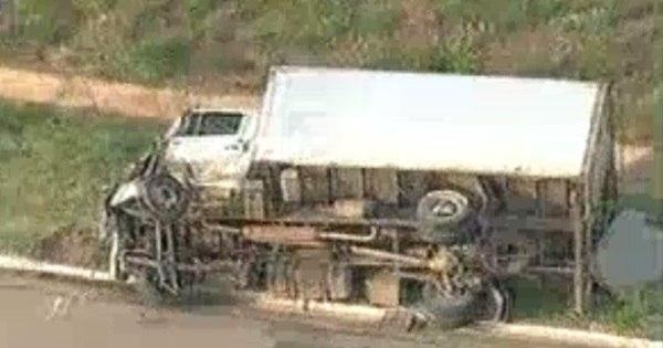 Batida entre caminhão e três carros deixa dois mortos na BR- 040 ...