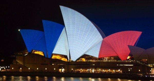Monumentos ao redor do mundo ganham cores da França - Fotos ...