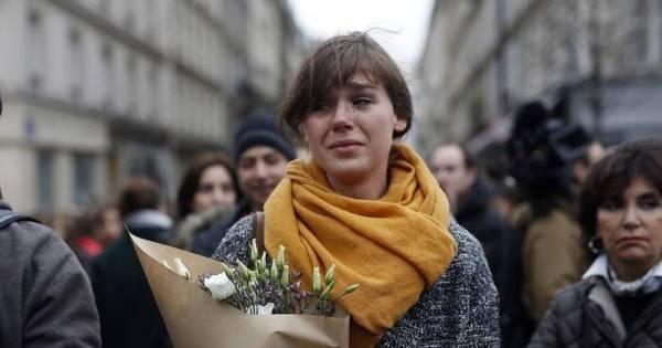Terrorismo em Paris: lágrimas e homenagens às vítimas após série ...