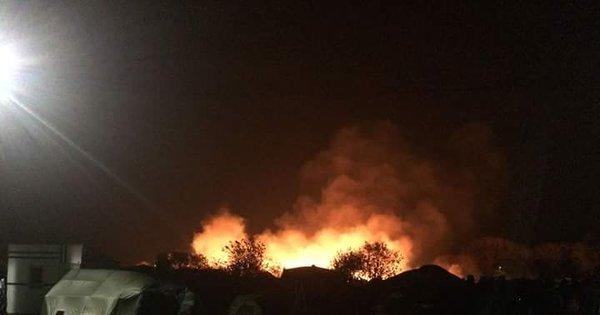 Incêndio destrói acampamento de refugiados na França - Notícias ...
