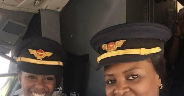 Pela primeira vez, duas mulheres pilotam Boeing 737 ...