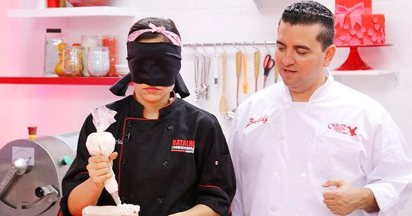 Confeiteiros fazem bolos com olhos vendados e tentam agradar ...