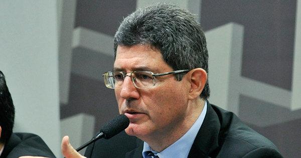 No Senado, Levy elogia veto a aumento do Judiciário - Notícias - R7 ...