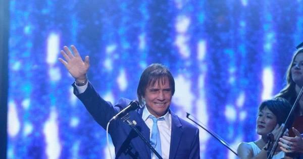 Eleito personalidade do ano, Roberto Carlos se apresenta no ...