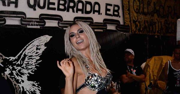 Preparada para o Carnaval! Fernanda Lacerda desce até o chão ...