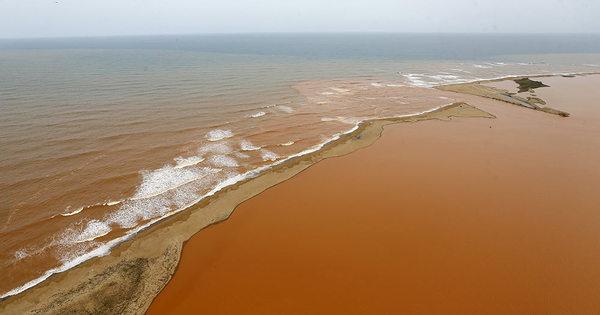 Lama de barragem percorreu 826 km entre Minas e Espírito Santo ...