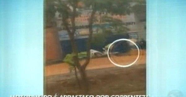 Motociclista morre ao tentar salvar moto durante temporal em ...