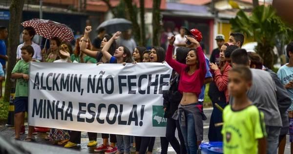 Fechamento de salas é 'natural', diz governador Geraldo Alckmin ...