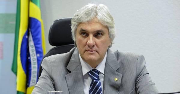 PF prende senador Delcídio Amaral (PT), suspeito de atrapalhar ...