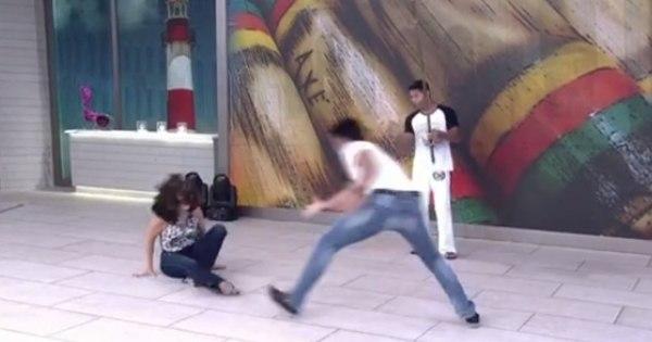 De salto, Fátima Bernardes cai ao jogar capoeira com Rodrigo ...