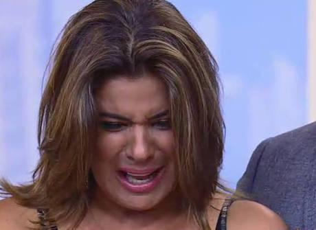 Mara chora com revolta de peões contra ela e fala de Douglas